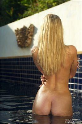seksikäs ja alaston tyttöjen kuvia